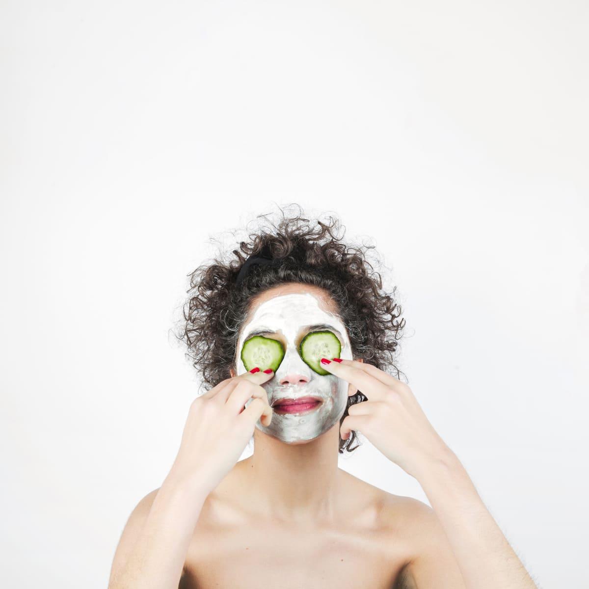 Какие косметологические процедуры надо проводить летом? фото
