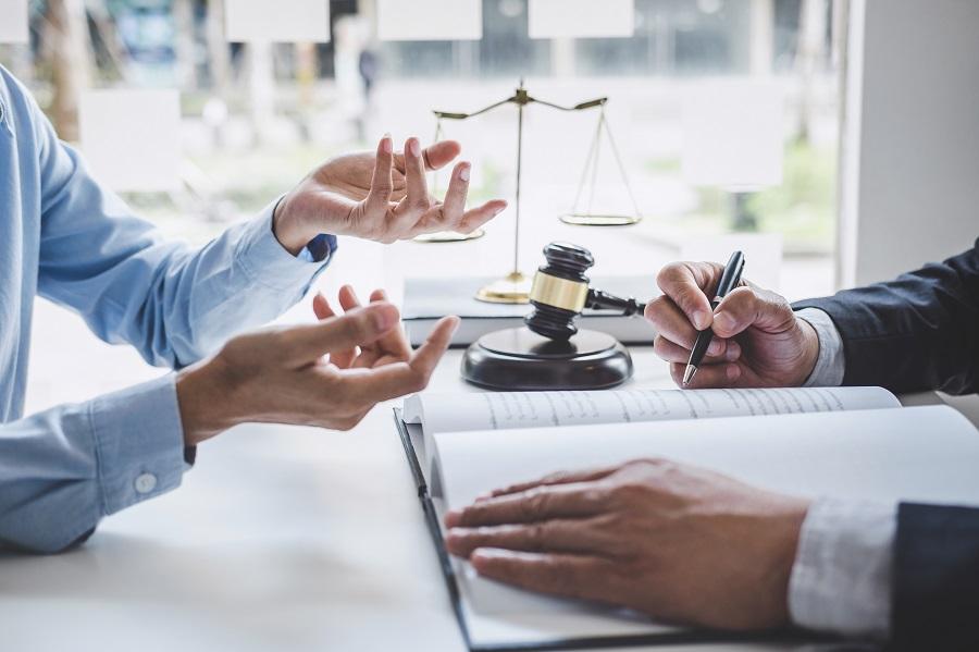 Как стать юрисконсультом? фото
