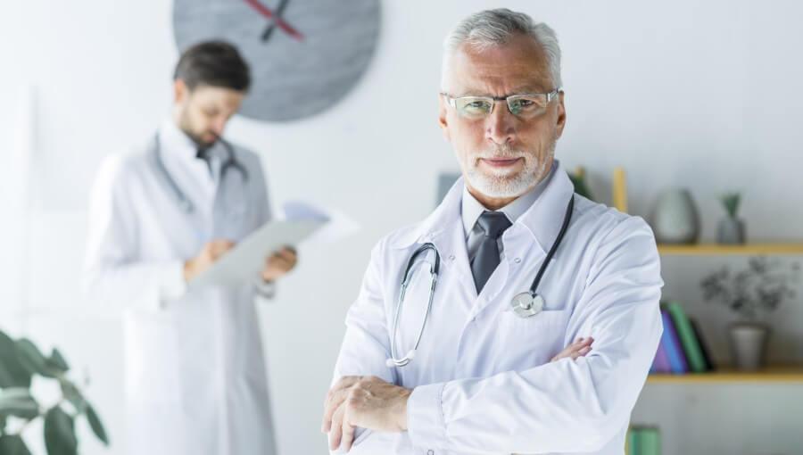 нужно ли медицинское образование