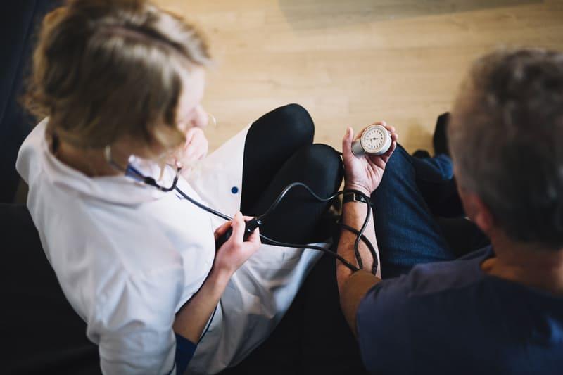 Роль медицинской сестры в профилактике заболеваний изображение